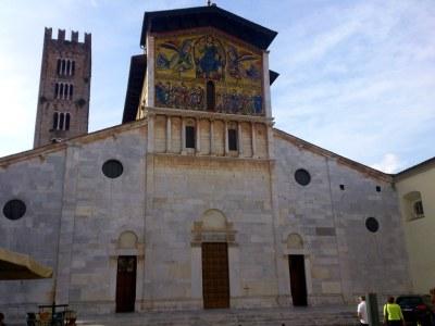 Die Mosaikfassade der Kirche San Frediano ist beeindruckend